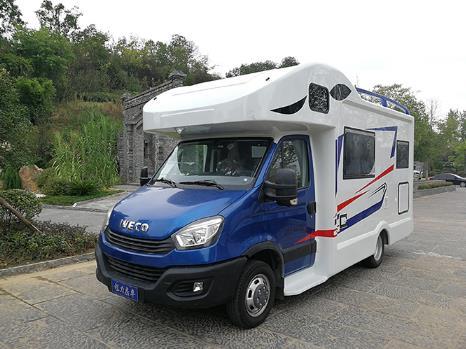 依维柯AD02欧胜C型房车时尚版 适合一家6口的自驾旅行